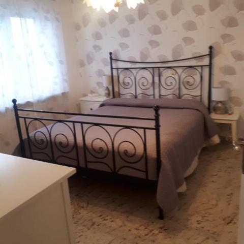 Ein Schlafzimmer der Immobilie