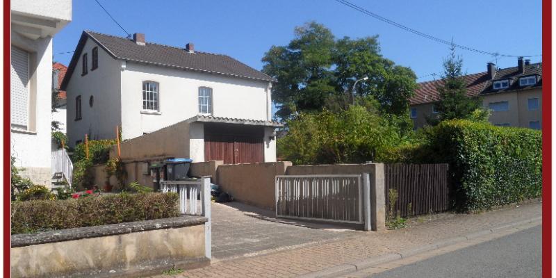 Das Haus von der Seite.